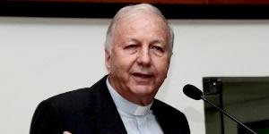 Após onda de violência, padre pede a Deus pela paz na capital