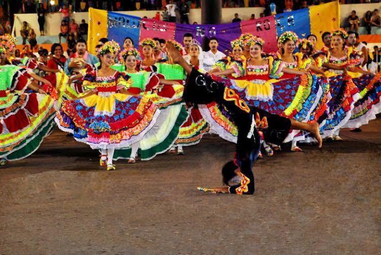 "Circuito Festa Junina Uberlandia : Circuito de quadrilha junina anuncia ""malucos na roça"