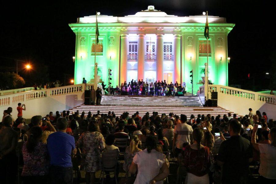 Cantata de Natal será realizada na noite desta sexta-feira (14), em frente  ao Palácio 385683df77
